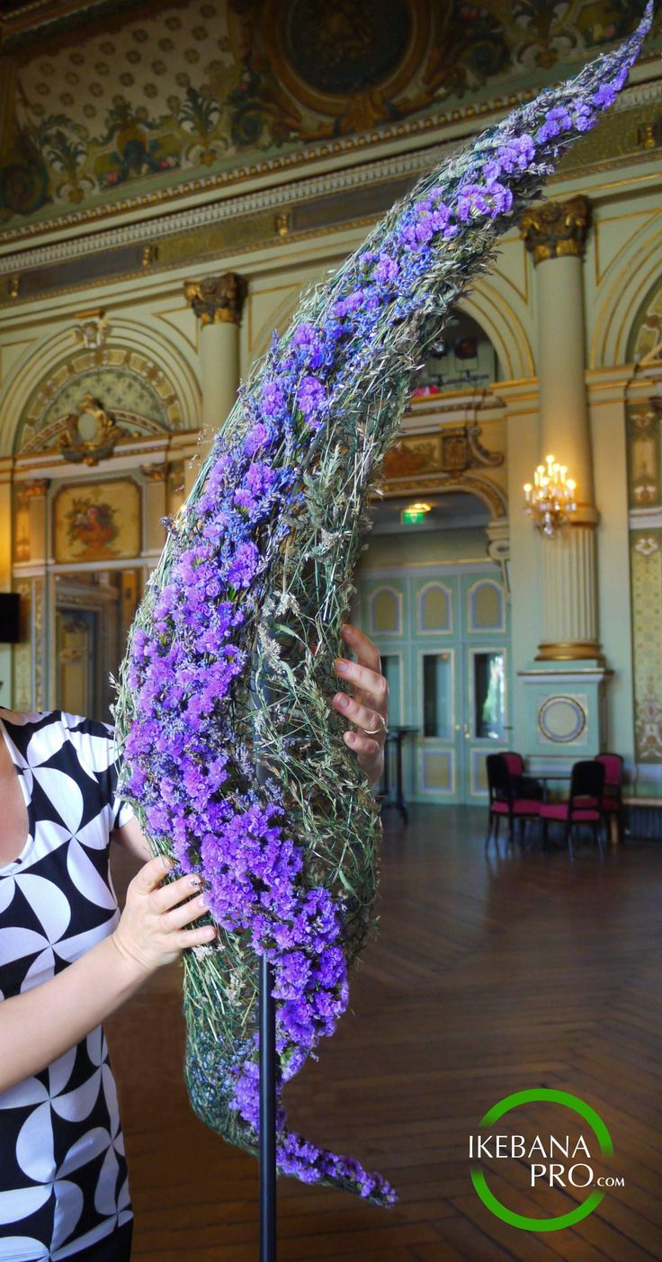 "Floral Art Installation ""Lavender Dreams"" ikebanaPRO.com Materials: lavender, statice (from staticespecialist.nl), field grasses #flowerarrangement #floralart #ikebana"