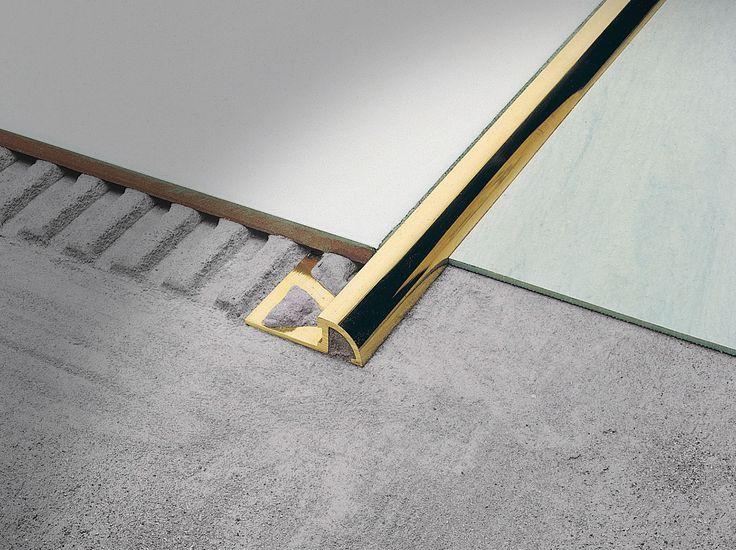 Roundtec RD è ideale per il raccordo tra pavimenti adiacenti di diverso spessore.  Grazie alla particolare forma arrotondata bicentrica, può essere accostato con altri pavimenti od utilizzato come puro terminale a zero, per raccordare gli spigoli dei gradini o come finitura del bordo di piani cucina piastrellati.