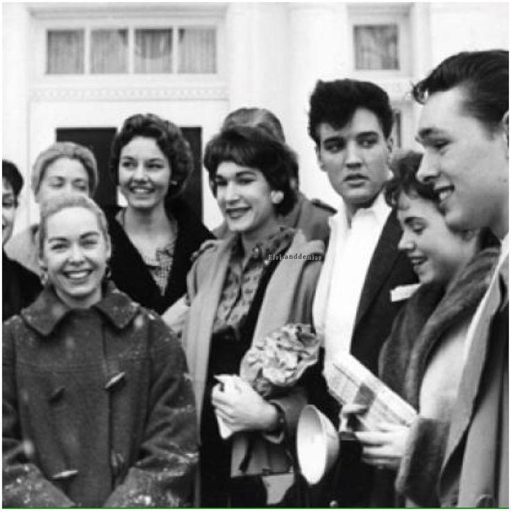 Outside Graceland , Elvis with fans -