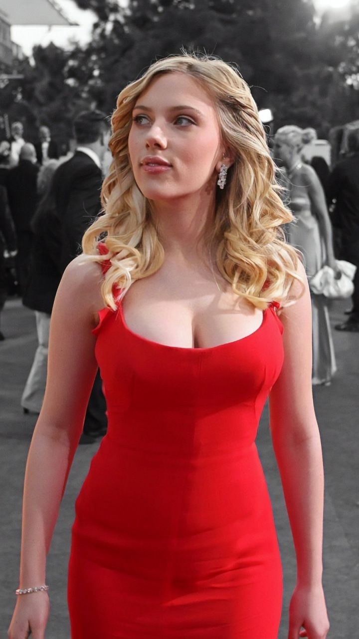 Scarlett Johansson Portrait Red Dress 720x1280