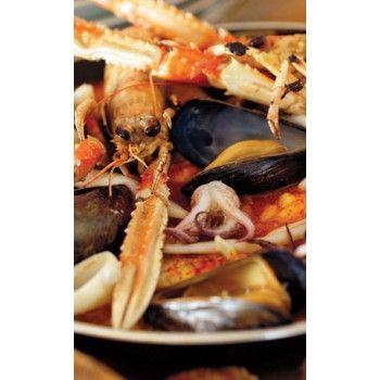 Lyxig och välsmakande fiskgryta med en touch av konjak och det bästa som havet har att bjuda på.
