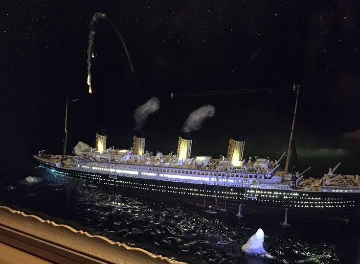 Titanic sinking model diorama