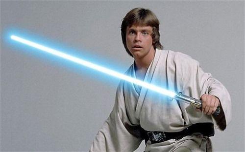 Luke Skywalker: Lightsaber.
