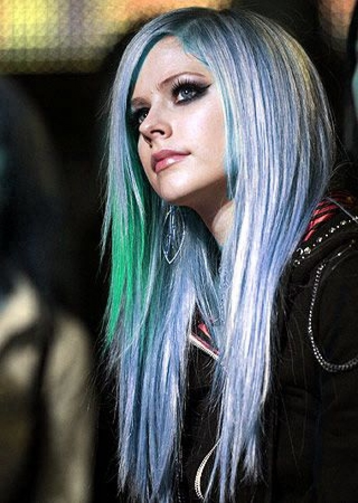 avril lavigne colored hair