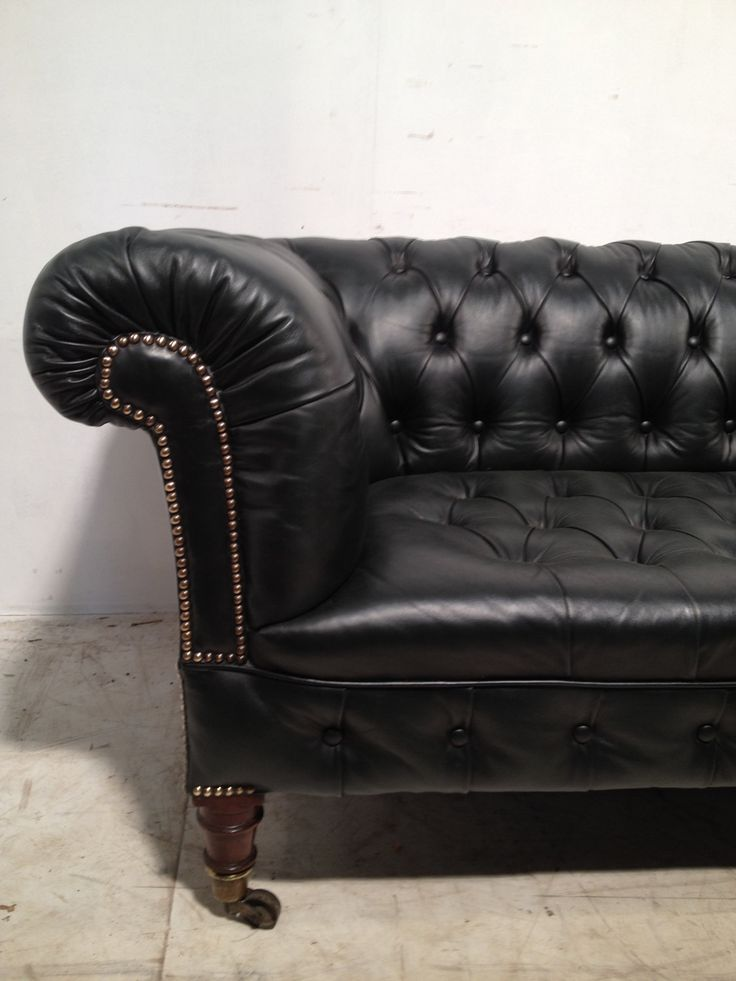victorian leather chesterfield sofa 39 antique green 39. Black Bedroom Furniture Sets. Home Design Ideas