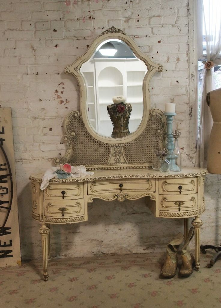 Painted Vanity Furniture: Painted Cottage Chic Shabby Romantic Vanity [VAN56
