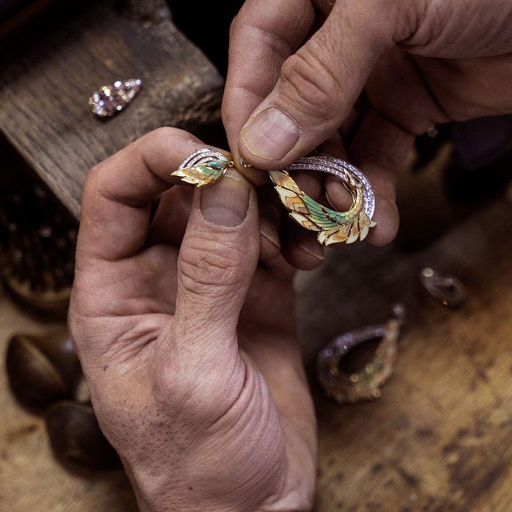 Украшения хранят тепло рук мастеров, которые вкладывают в них свою душу.