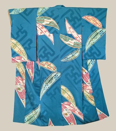 Kimono, Taisho (1911-1927). A silk kimono featuring colorful bamboo leaves. The Kimono Gallery