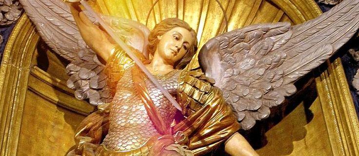 Divino Arcángel Miguel http://reikinuevo.com/divino-arcangel-miguel/