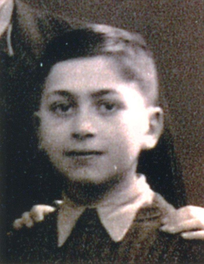 Simon Kligman age 10 from Paris, France was sadly deported to Auschwitz then murdered on August 1942.