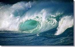 Hoge watergolven in Hawaii