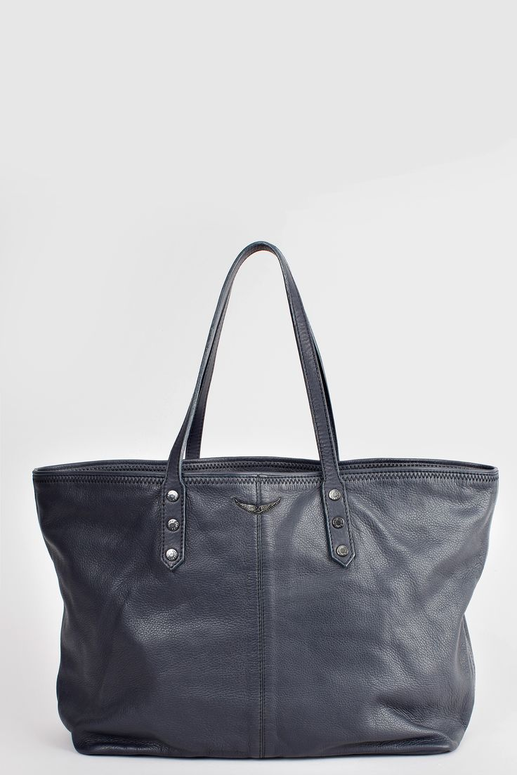 Zadig et Voltaire large shopping bag, with interior pockets in suede and interior clutch with doghook, engraved rivets on the front, height 30 cm, depth 30 cm, handles length 46 cm, 100% cow leather