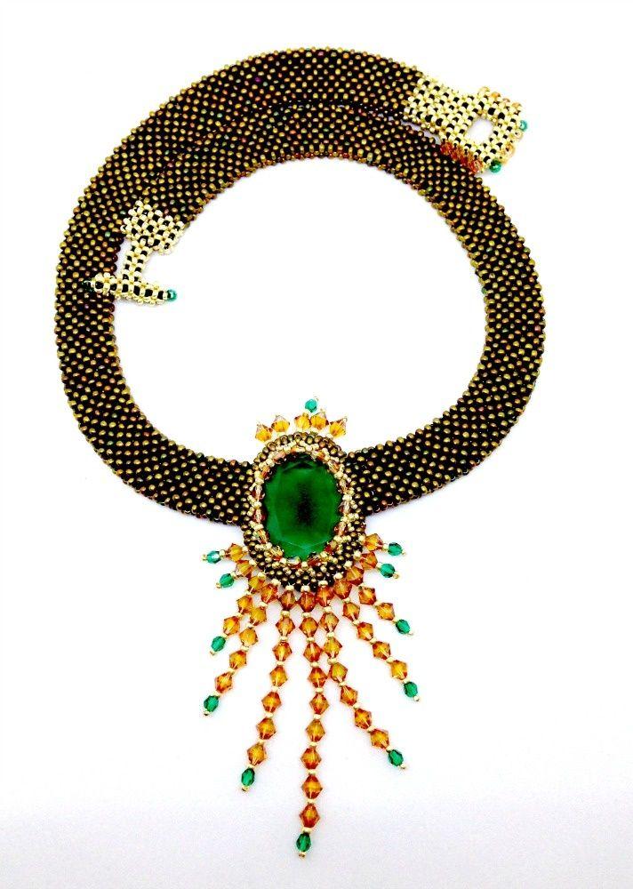 EDITOR'S CHOICE (02/28/2017) Emerelda by Trishie33 View details here: http://jewelers.community/creations/4237-emerelda