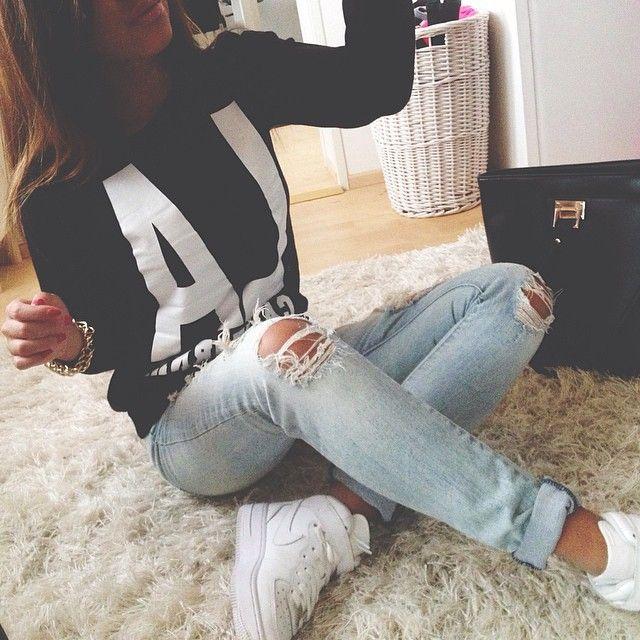 Instagram Photo By Ninninguyen N I N N I N G U Y 202 N Iconosquare On We Heart It Outfits