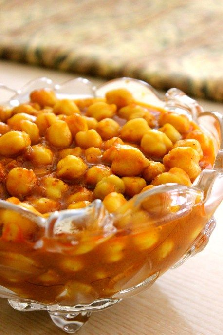 Afghan Cuisine - Tomato Chickpea Stew (Khorisht Nukhut ) | More delicious and healthy recipes at www.pickuplimes.com