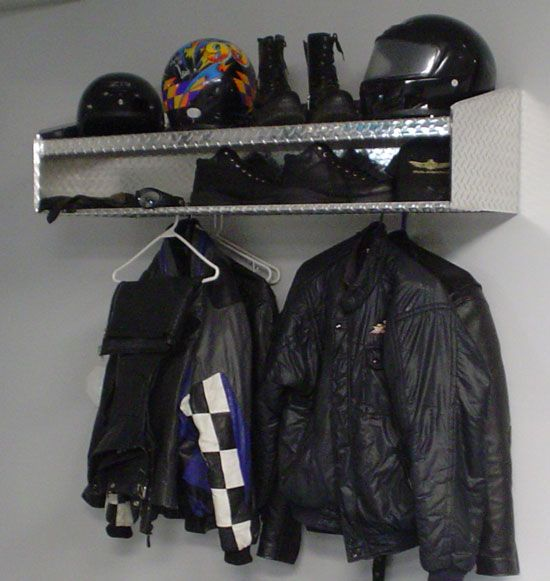 CamCo Mfg Diamond Plate Aluminum Motorcycle Helmet Station - Diamond Plate - Gifts Under $300 - Motorcycle - The Garage Store