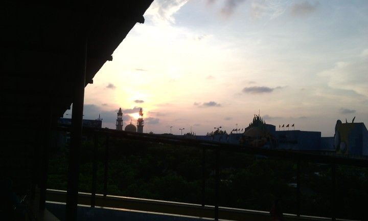 sunset above the mosque.. so amazing.. WBL
