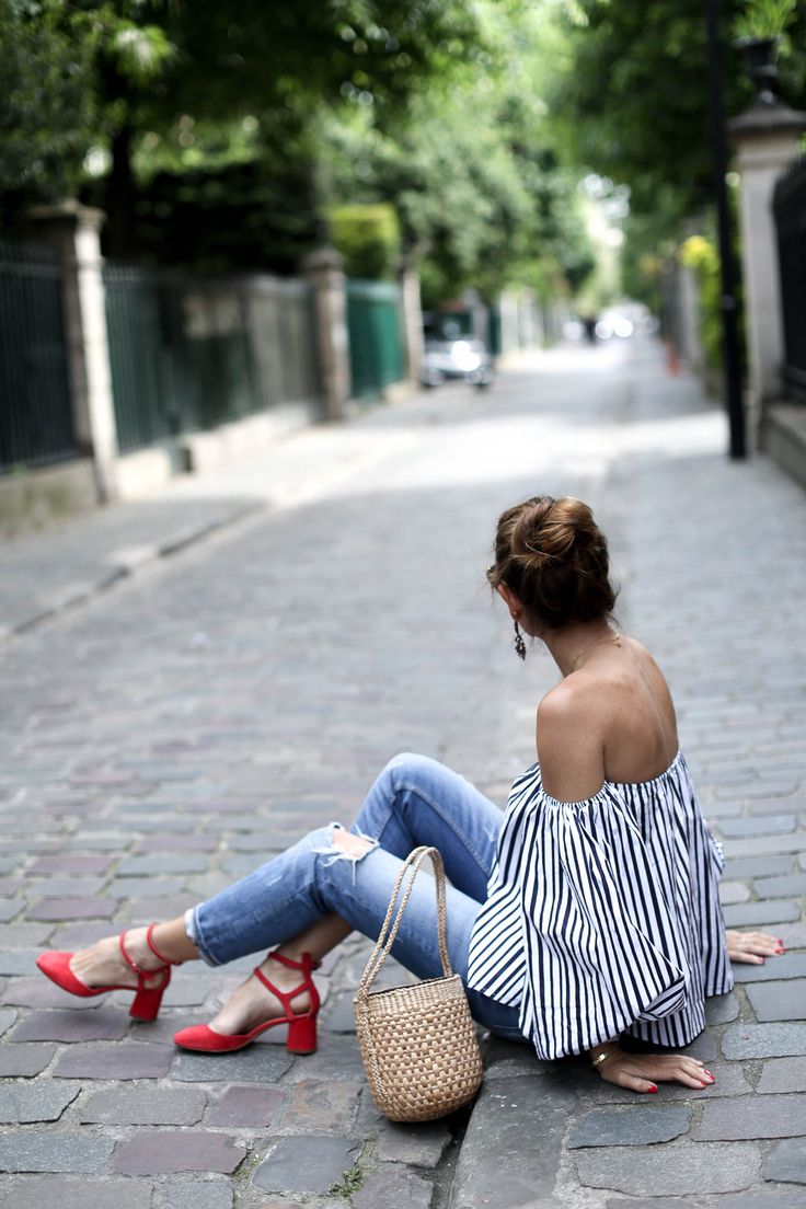 POP OF RED . PARIS France - Bartabac  http://stylelovely.com/bartabacmode/2017/06/pop-red-paris