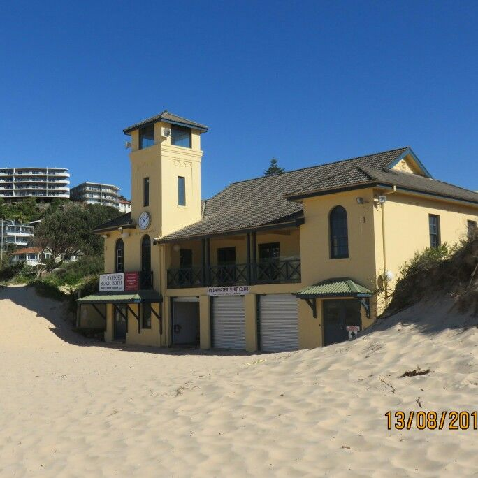 Freshwater Surf Club and the old Harbord Beach Hotel, Freshwater beach