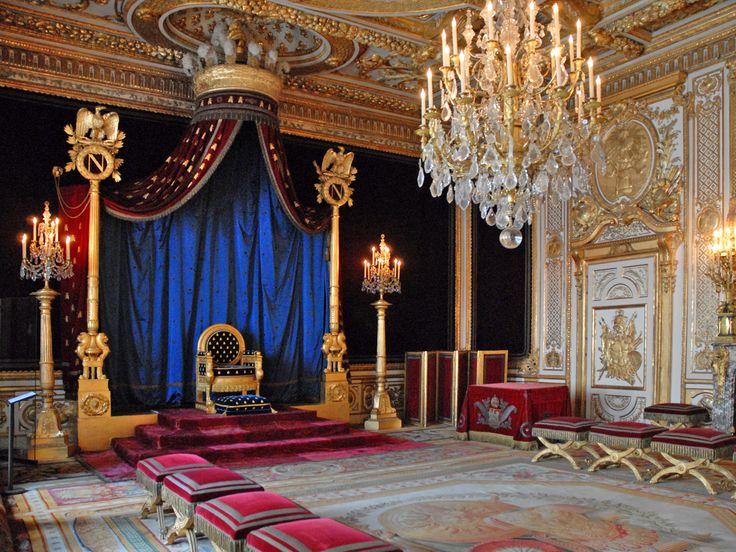 Интерьер дворца Фонтенбло (оформление интерьеров - наполеоновские императорские архитекторы Ш. Персье и П. Фонтен)