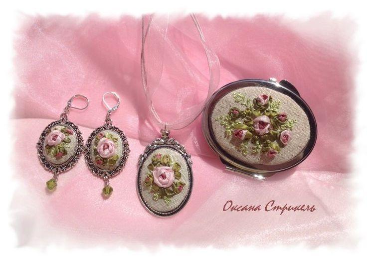 Gallery.ru / Фото #126 - Брошки, подвески, зеркальца, кошелечки... - ostrikel