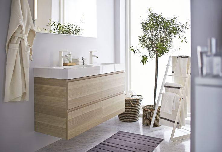 Prachtig badkamermeubel! Goed te combineren met andere materialen en kleuren :)