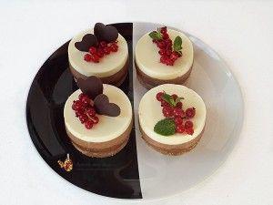 cheesecake cu trei feluri de ciocolata  Cheesecake trio chocolate