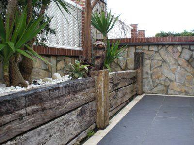 Jardineras de madera plantas y jardines pinterest for Vigas de madera para jardin