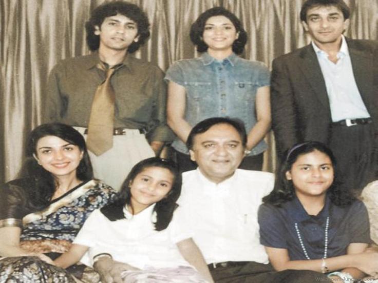 Sanjay Dutt Family Photo