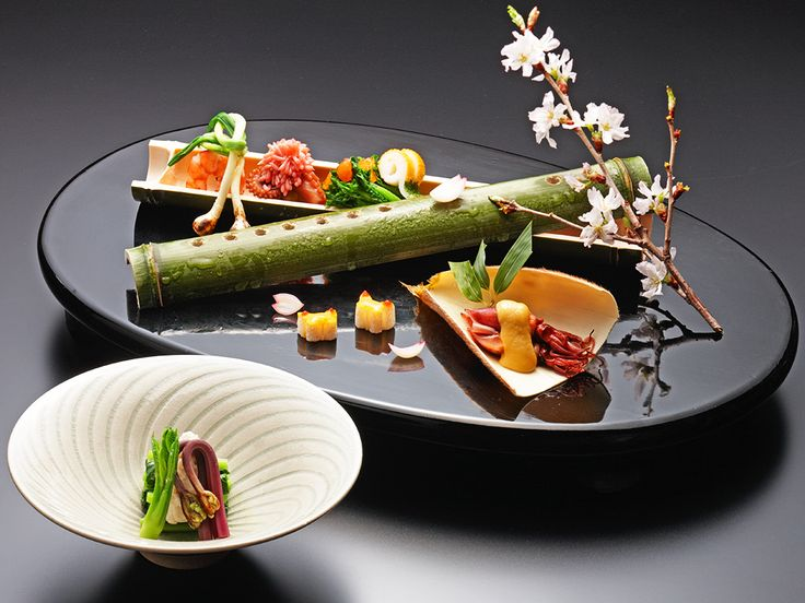 In kaiseki cuisine, everything from the ingredients to the serving dishes is planned with the greatest care, to reflect the bounty of the seasons.