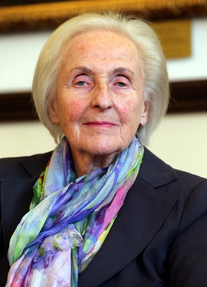 Johanna Quandt, Matriarch of Family That Controls BMW, Dies at 89 - The New York Times