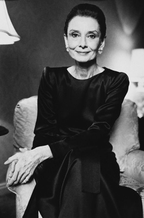 ❦30 Days of Audrey Hepburn Day 29: Favorite portrait photo This portrait by Adam Knott c. 1990 is my favorite picture of Audrey Hepburn. She has aged beautifully and her eyes mirrored a certain kind of melancholy that makes her more beautiful.