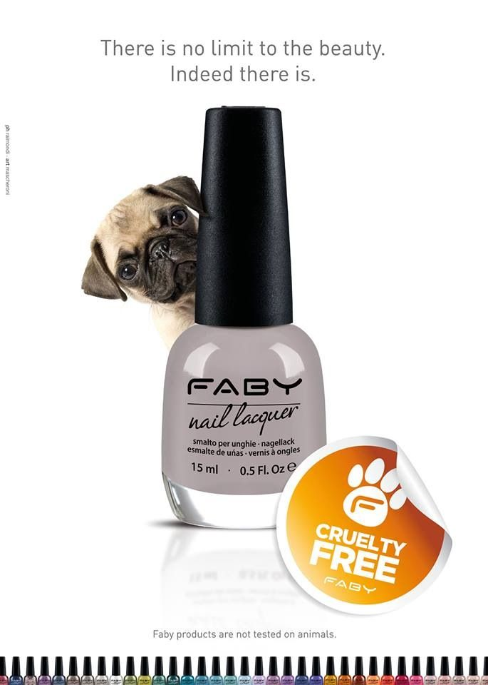 Faby loves pugs!! :-)