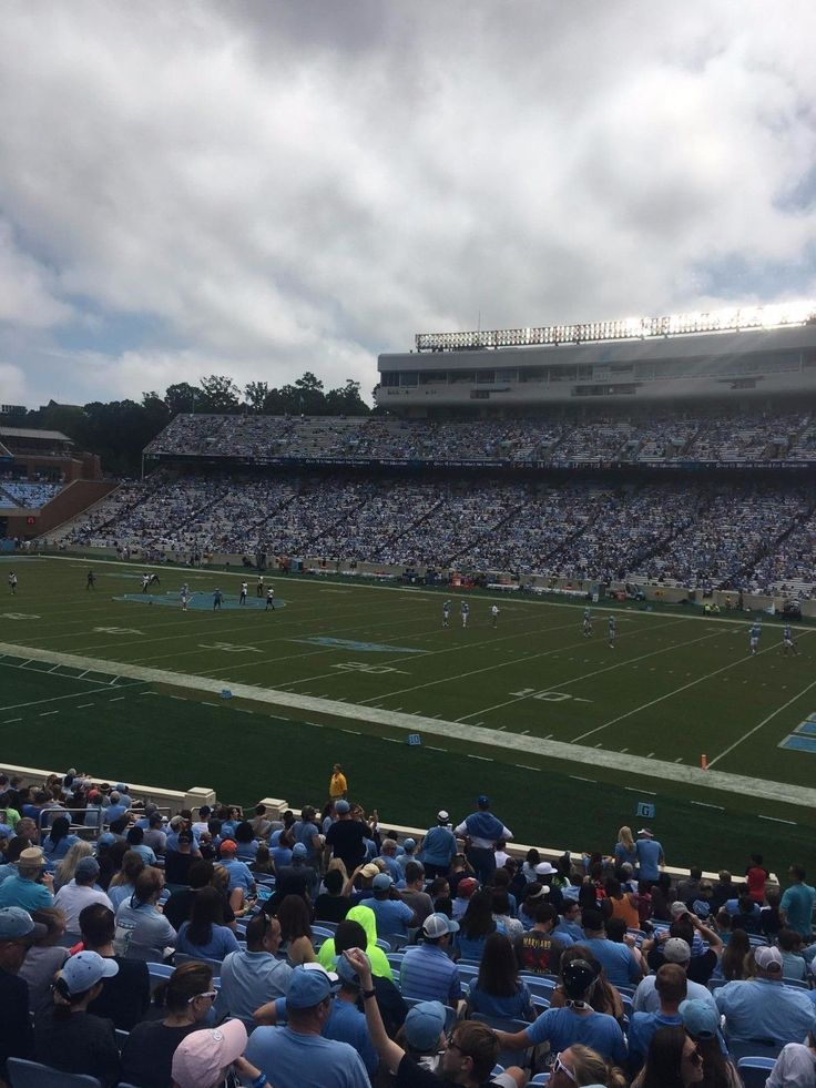 #tickets Two (2) North Carolina Tar Heels vs Western Carolina Catamounts Football Tickets please retweet