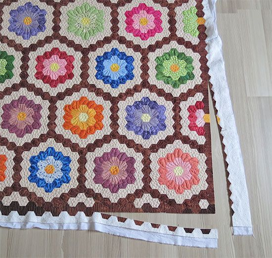 Quilting Tips- how to finish the edge of hexagon quilts
