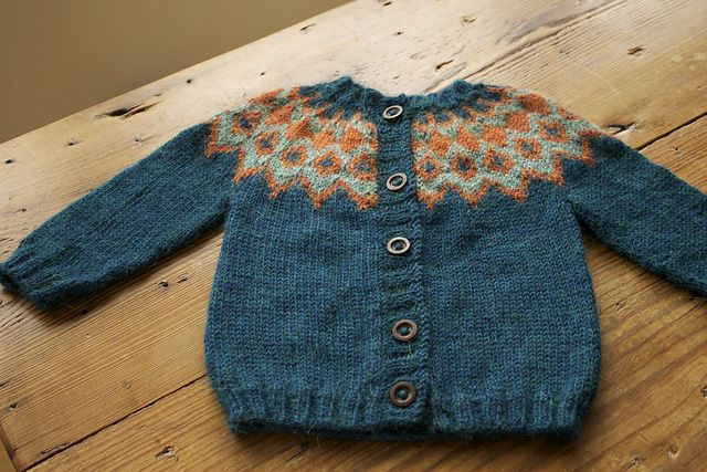 Ravelry: GMLilly's Lopi sweater  I downloaded this pattern but want to make this adaptation.