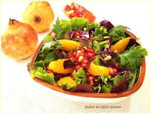 Saludable y exquisita combinación la de la naranja y la granada en una ensalada, Compruébalo con esta receta del blog QUIERO SER SUPER FAMOSA.