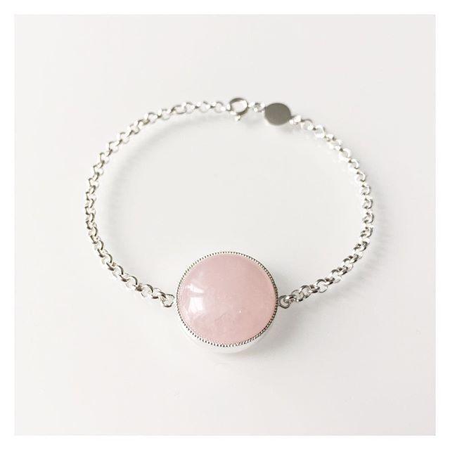 #silver #rosequartz #bracelet #finnishdesign #handmadeinpori #handmadejewelry #oonaarmiajewelry