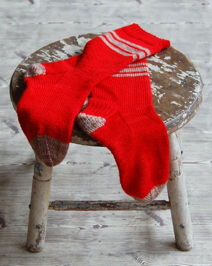 Men's socks (free knitting pattern) by The Purl Bee.