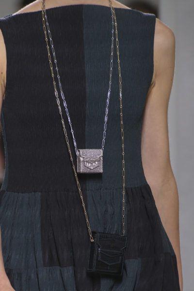 Taschen in Nano-Größe: Die Micro-Précieux- Bags von Hermès sind der vielleicht edelste Brustbeutel