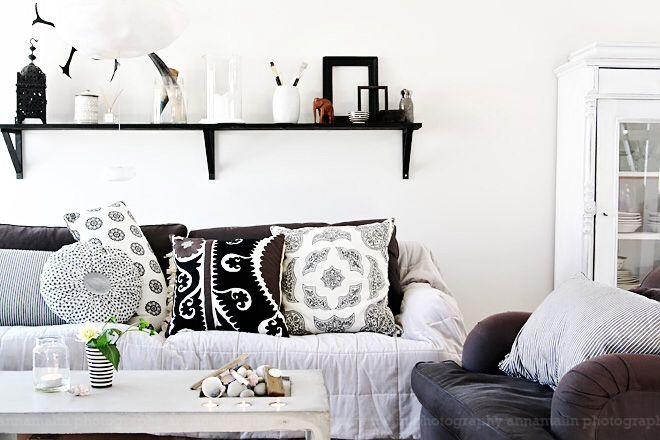 Snygga hyllor. Helt enkelts blogg på sköna hem.