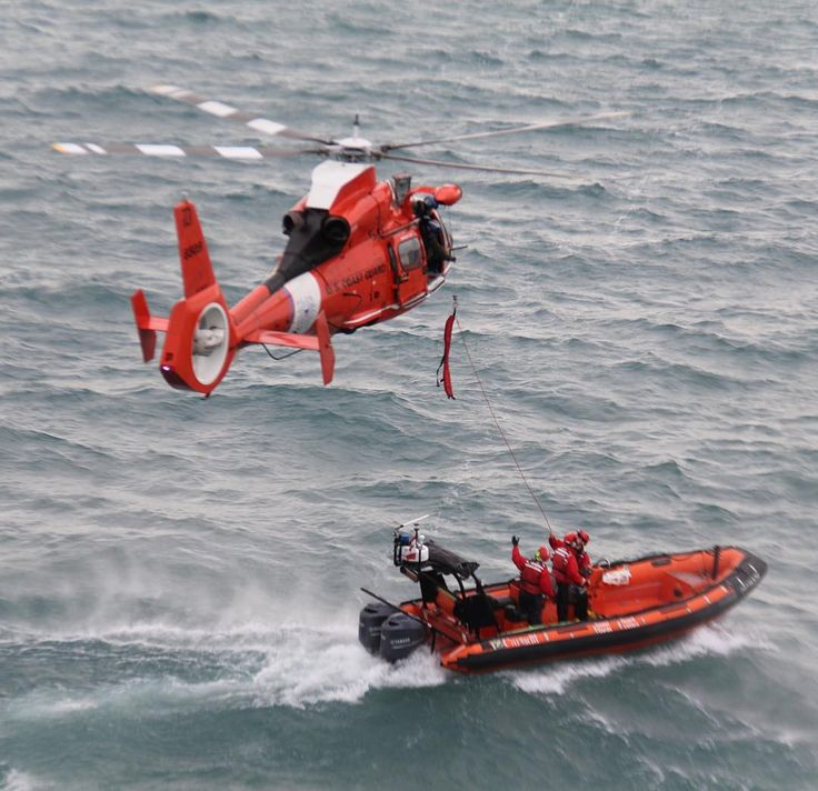 We share the #greatlakes with #canada and often work together with them for many of our missions - especially #searchandrescue.  So we train frequently with nearby Canadian Coast Guard stations.  #uscg #airstationdetroit #lakestclair #detroit #detroitriver #canadiancoastguard