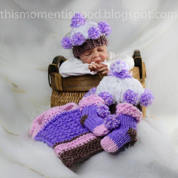 Loom Knit Cupcake Baby Gift Set Pattern: includes Cupcake Hat (2 Sizes), Cupcake Booties/socks & Cupcake Bib Patterns.  So Cute!