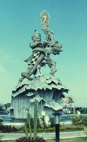 Wisata Menarik Denpasar Bali |Wisata Menarik Denpasar – Denpasar adalah ibukota dari provinsi Bali . Meskipun Denpasar merupakan pusat modern seperti pusat pemerintahan, bertaburnya bank-bank internasional, namun Denpasar masih mempertahankan kepribadian unik Bali.