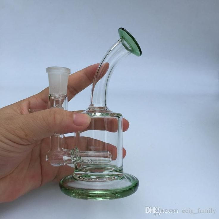 Choosing wholesale mini small bong portable glass water pipes recycler oil rigs green thick glass free shipping custom made online? DHgate.com sells a variety of hookahs for you. Buy now enjoy cheap price.