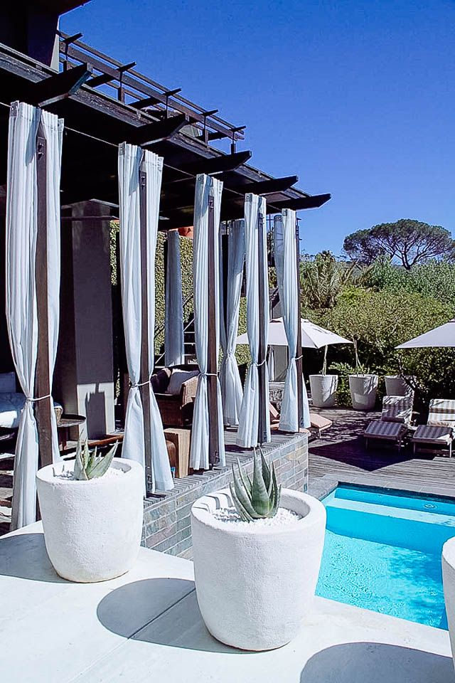 Kensington Place - Cape Town's original boutique retreat. Perched on the slopes of Table Mountain, with jaw-dropping panoramic views across the city bowl, Kensington Place is a boutique hotel with a stylish twist. Timbuktu Travel