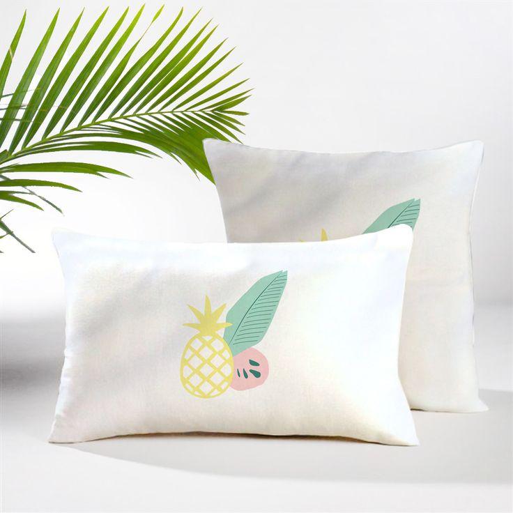 Housse de coussin fruits exotiques (motif placé) : Textiles et tapis par atelierlaetitiamoles