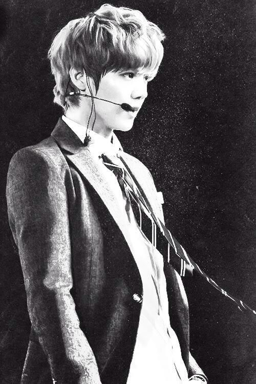 Bias #1 of 2. You still are a part of EXO to me Luhan... And you ALWAYS will be. (You too Kris. You just aren't in this pic) #alwayssupportluhan