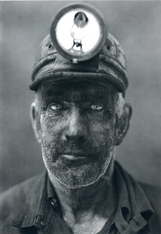 miner: Coal Minerals, West Virginia, Coalmine, National Geographic, Black White, Anthony Stewart, Close Up Portraits, Photo, Eye