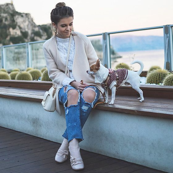 Get this look: http://lb.nu/look/8616009  More looks by Tamara Bellis: http://lb.nu/tamarabellis  Items in this look:  Sammydress Cardigan, Zaful Jeans, H&M Sweater, Sammydress Bag, Ego Bow Knot Booties   #casual #chic #street